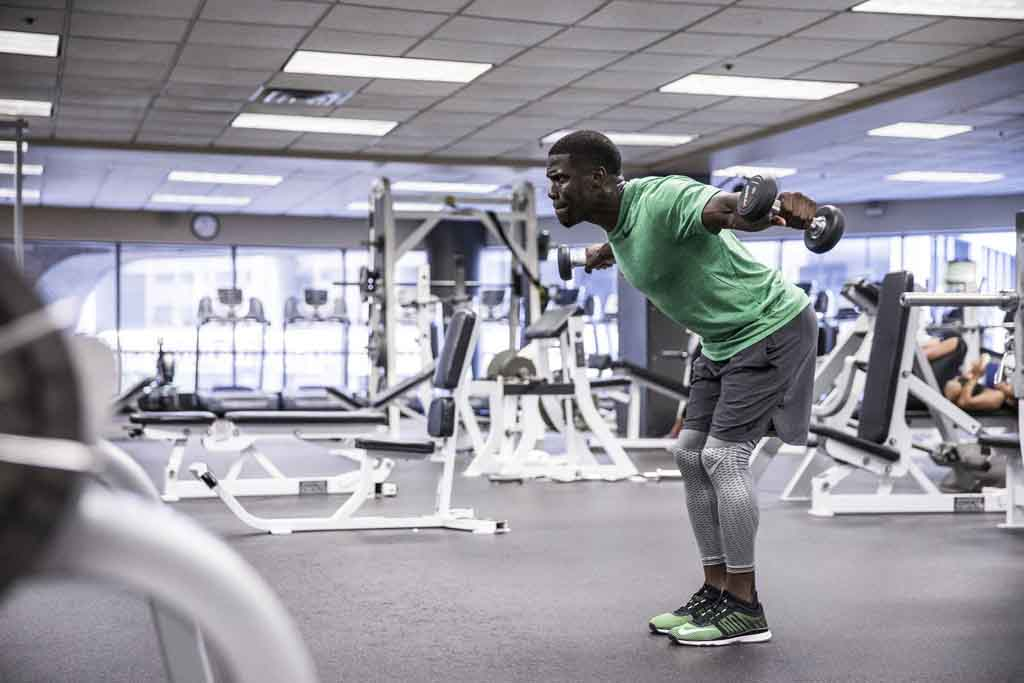 Kevin Hart trains with Nike