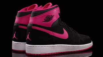 Nike Womens Jordans retro 1 pink