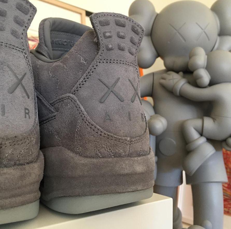 KAWS X Nike Air Jordan 4 (2)